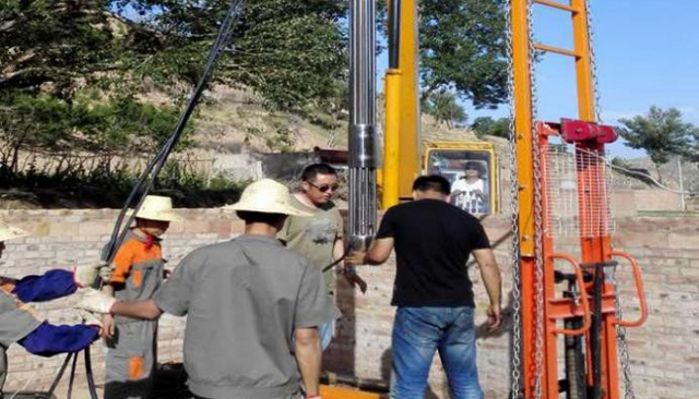 深井串联式水泵放置